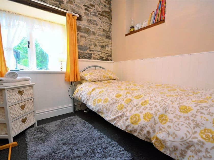 Single bedroom | Scrumpy Barn, Dihewyd, near Aberaeron