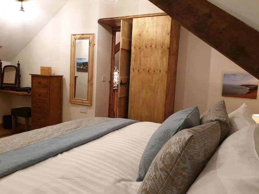 Double bedroom | Galleri - Dolgoy Cottages, Llangrannog