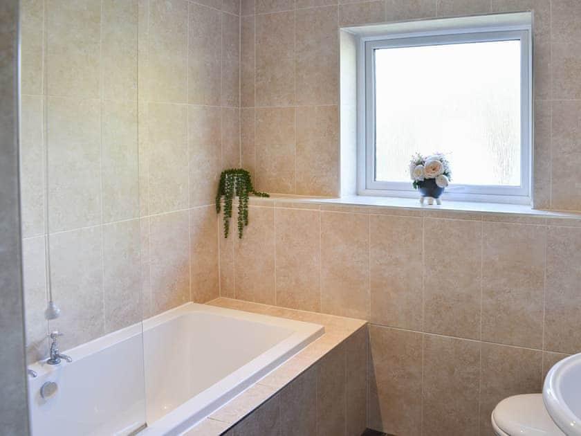 Bathroom   South Lodge - North & South Lodge, Appleby