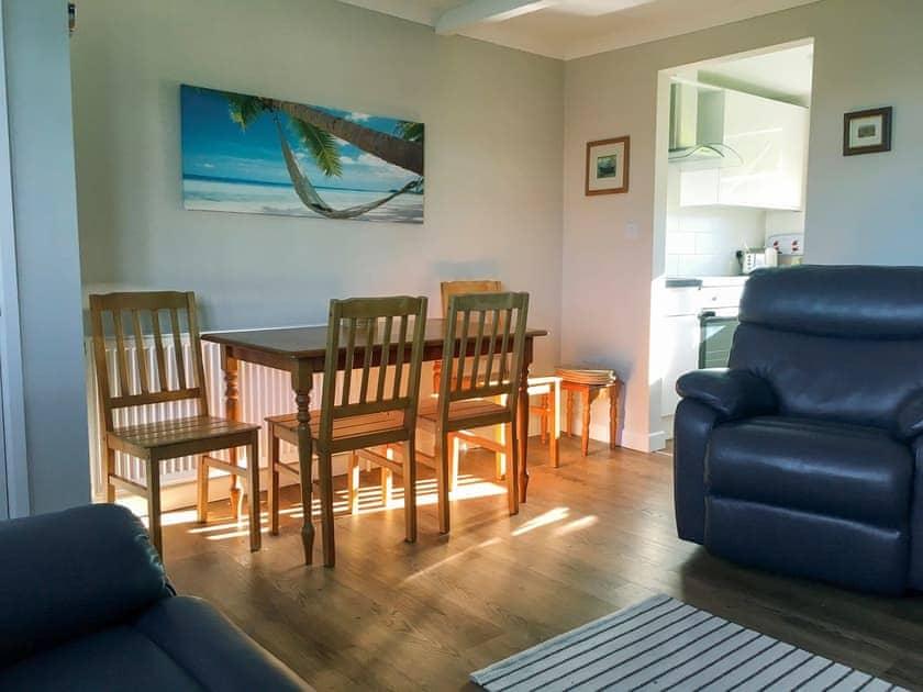Living room/dining room | 306 Norton Park, Norton Park