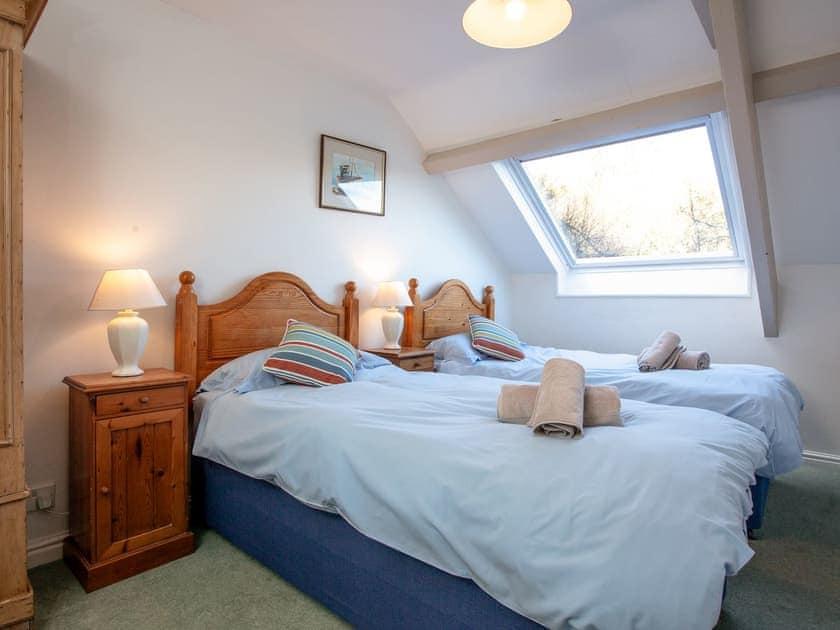 Twin bedroom | Milbourne Cottage - Tuckenhay Mill, Bow Creek, between Dartmouth and Totnes