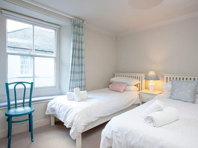 Twin bedroom | Courtenay Cottage, Salcombe