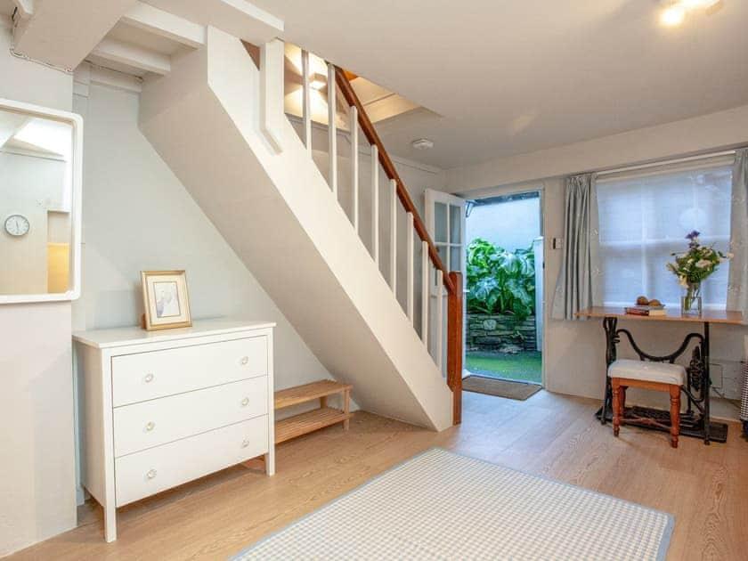 Hallway | Courtenay Cottage, Salcombe