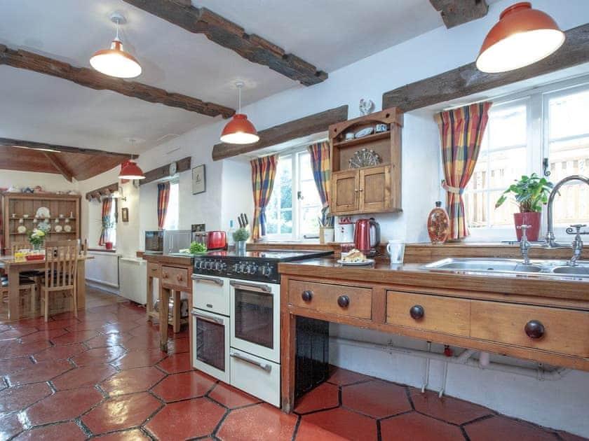 Kitchen/diner | Tuckenhay Mill House - Tuckenhay Mill, Bow Creek, between Dartmouth and Totnes