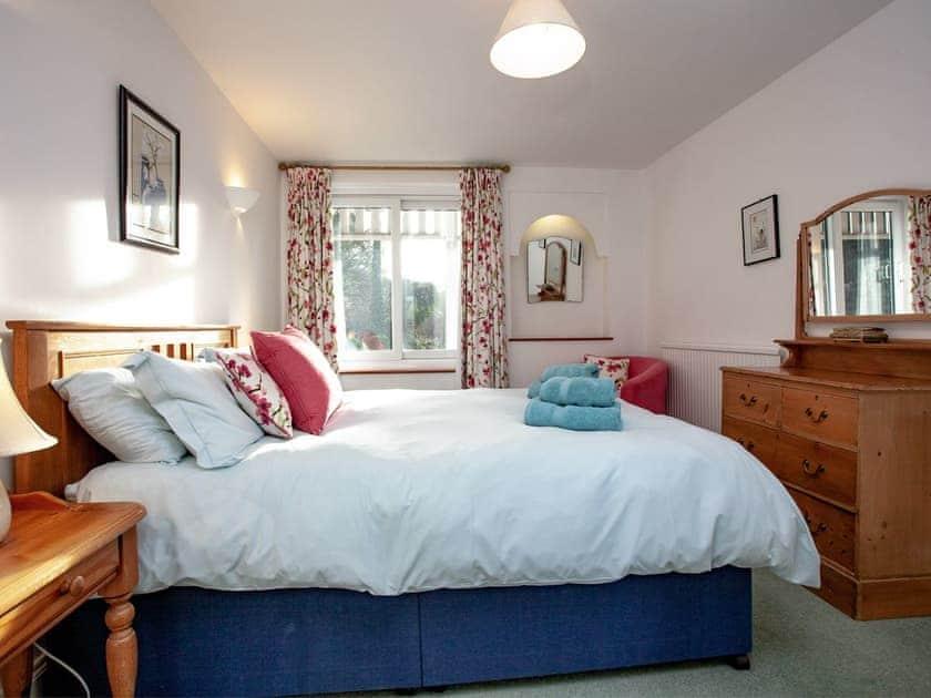 Double bedroom | Tuckenhay Mill House - Tuckenhay Mill, Bow Creek, between Dartmouth and Totnes