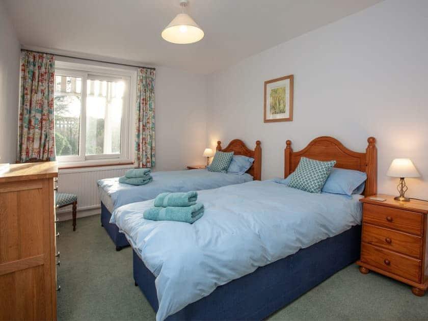 Twin bedroom with cot | Tuckenhay Mill House - Tuckenhay Mill, Bow Creek, between Dartmouth and Totnes