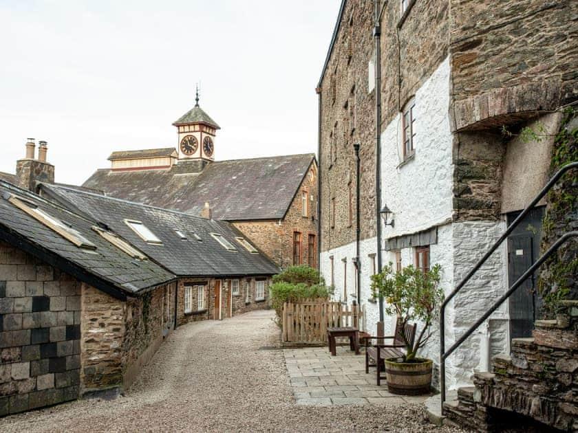 Setting | Tuckenhay Mill House - Tuckenhay Mill, Bow Creek, between Dartmouth and Totnes