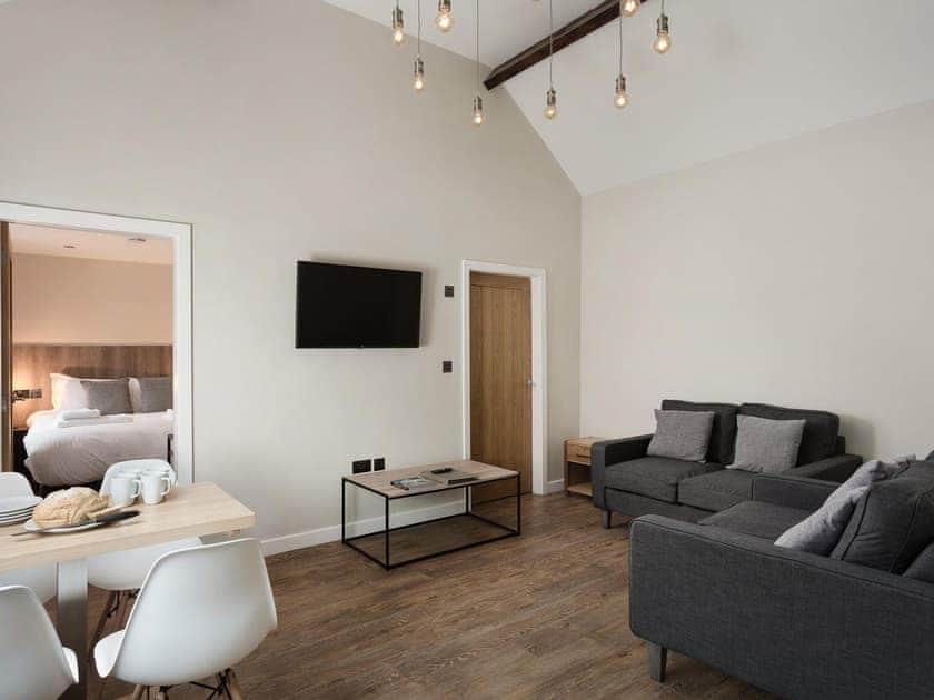 City Apartments - 6 Monkbar Mews