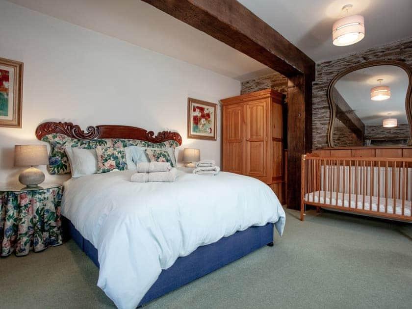 Double bedroom   Edgecombe Barn - Tuckenhay Mill, Bow Creek, between Dartmouth and Totnes
