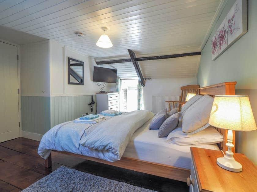 Double bedroom   Y Bwthyn, Talgarreg, near New Quay