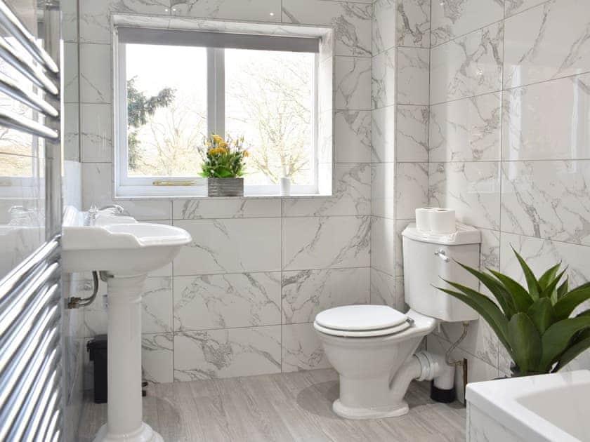 Bathroom   North Lodge - North & South Lodge, Appleby