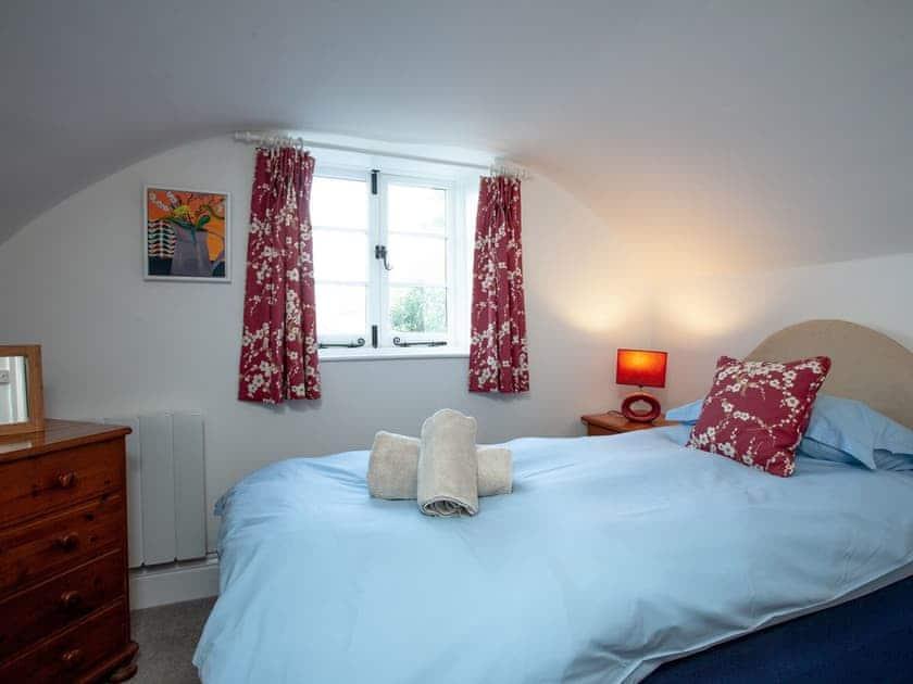 Single bedroom | 1 Castle Cottage - Tuckenhay Mill, Bow Creek, between Dartmouth and Totnes