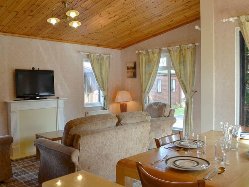 Deeside Woodland Lodges - Lodge A