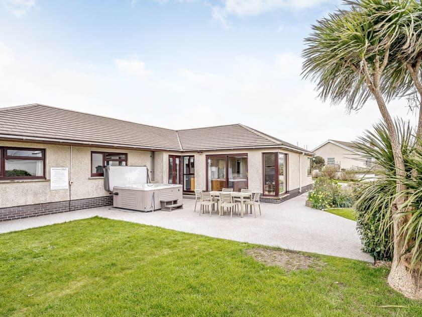 Gwbert Holiday Cottages- Hafdir