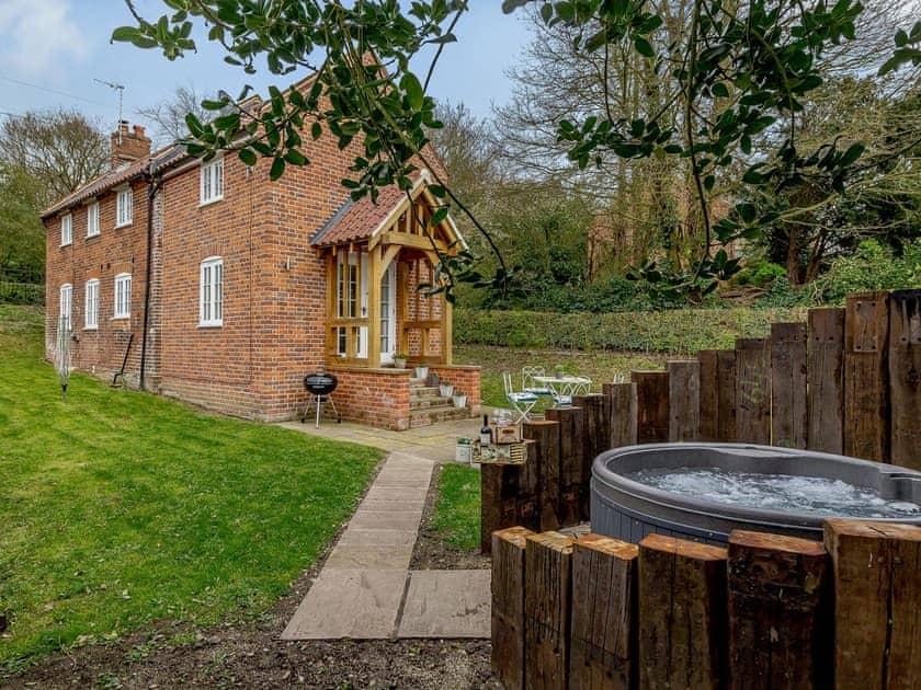 Geldeston Cottages - Toffee Cottage