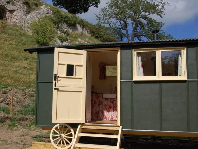 Ffynnon Beuno - Hick's Hut