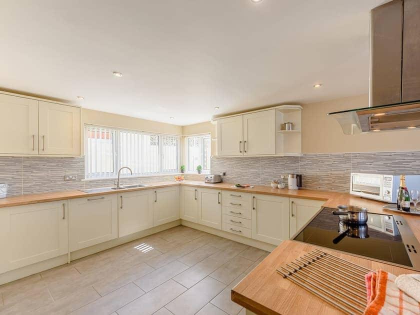 Kitchen/diner | Sandbank - Gwbert Holiday Cottages, Gwbert, near Cardigan