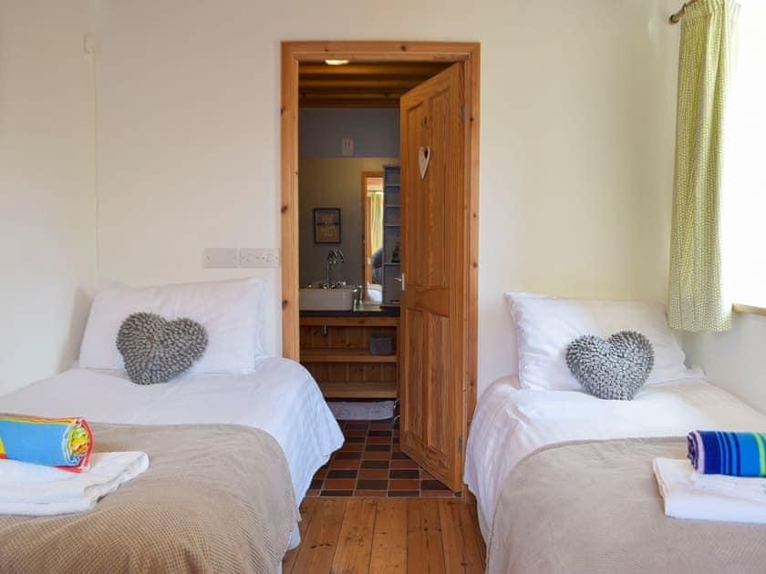 Twin bedroom | The Chapel - Chapel Escapes, Cross Inn, near New Quay