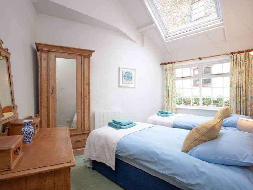 Twin bedroom | 1 Salle Cottage - Tuckenhay Mill, Bow Creek, between Dartmouth and Totnes