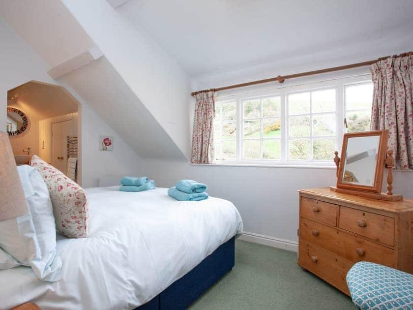 Master bedroom | 2 Salle Cottage - Tuckenhay Mill, Bow Creek, between Dartmouth and Totnes