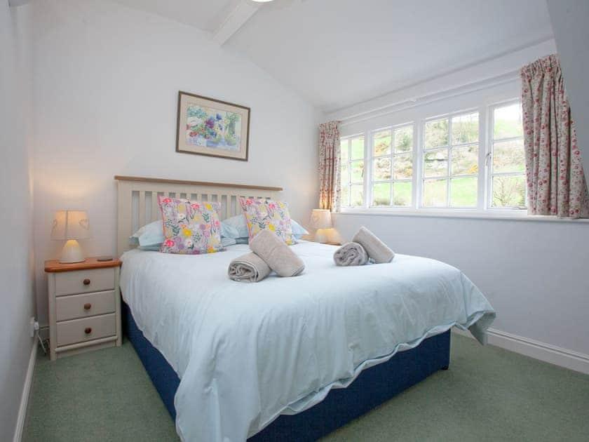 Master bedroom | 3 Salle Cottage - Tuckenhay Mill, Bow Creek, between Dartmouth and Totnes