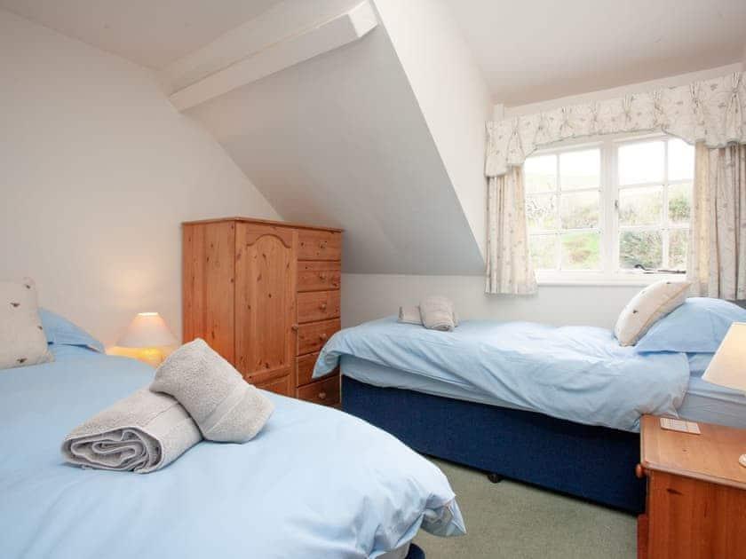 Twin bedroom | 3 Salle Cottage - Tuckenhay Mill, Bow Creek, between Dartmouth and Totnes
