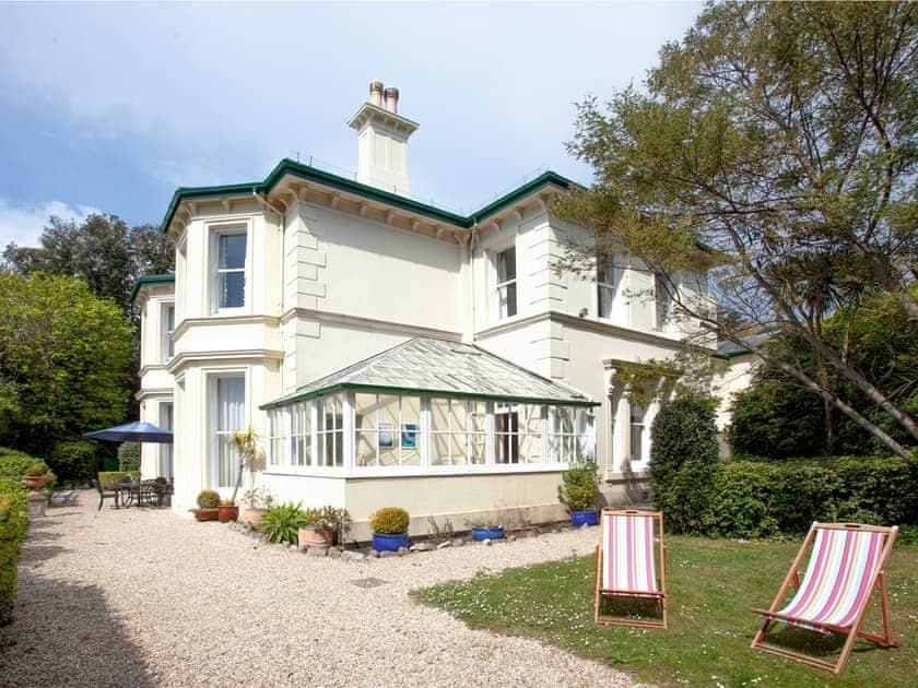 Longcroft House