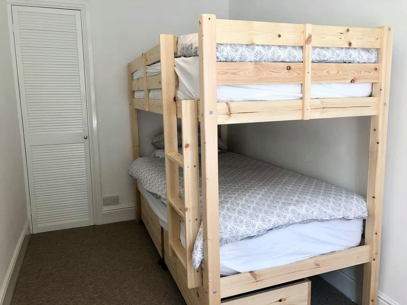 Bunk bedroom | Summerland Terrace 4, Summerland Terrace