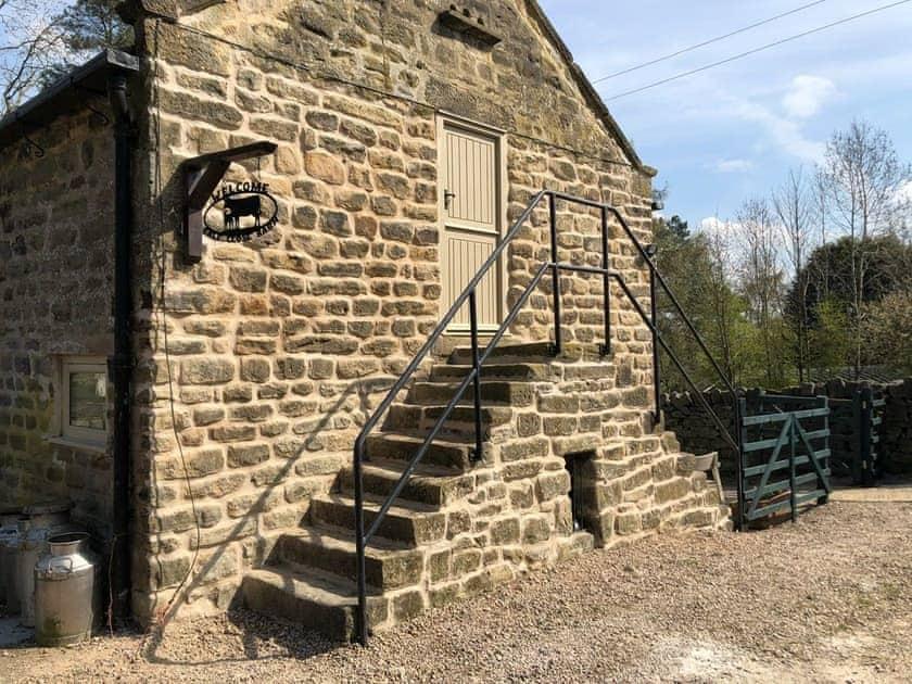 Calf Close Barn