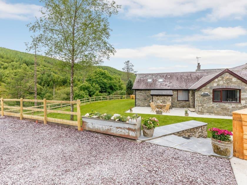 Cwm Dulas Cottage