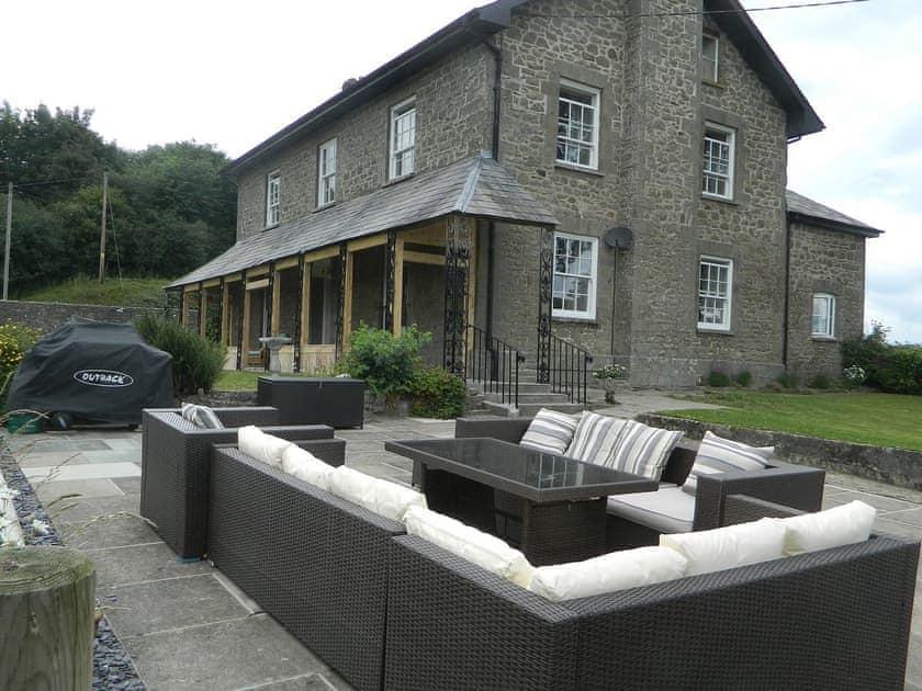 Llansantffraed House