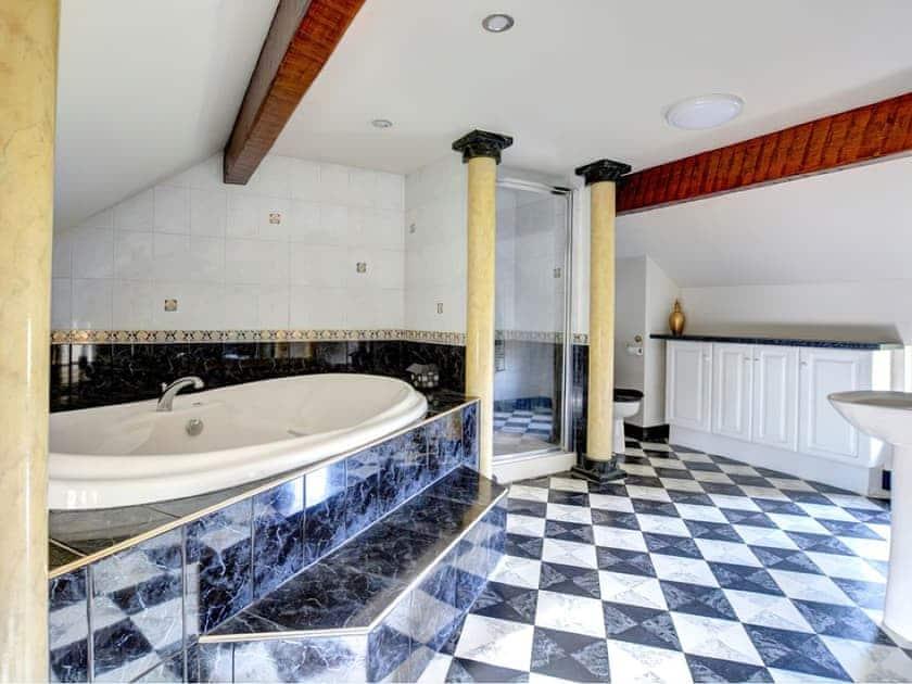 Bathroom   Lane House, Threshfield near Grassington
