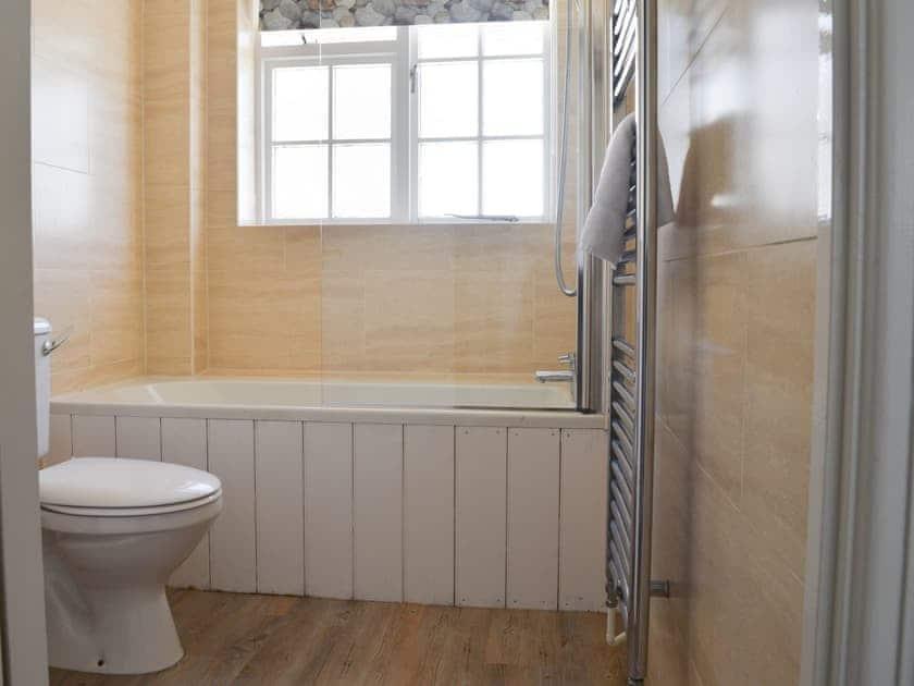 Bathroom | Kings Cottages 9, Salcombe