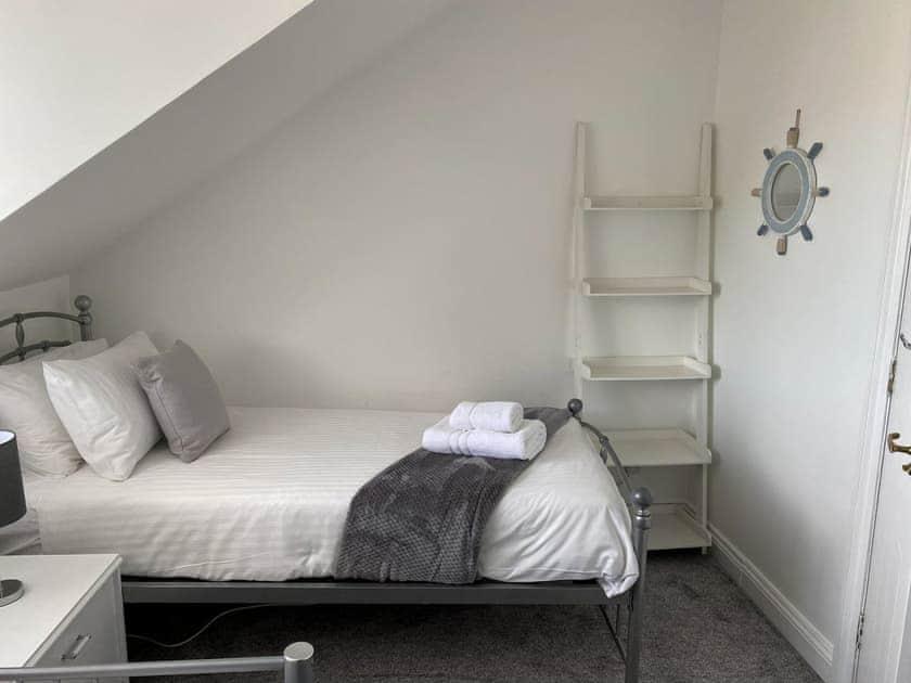 Twin bedroom | Sleepers, Oakwood Close