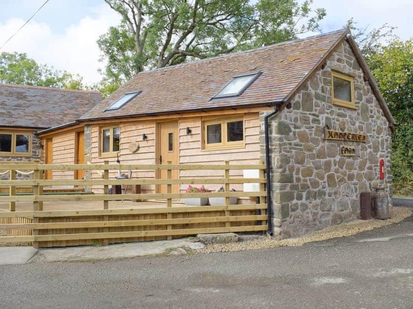Ingles Farm Holiday Cottages - Alfs Bullpen