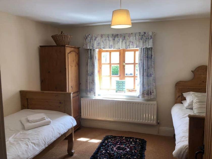 Twin bedroom   Elm Tree Cottage, Little Barugh, near Pickering
