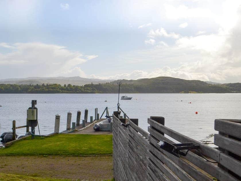 Dundonald Landing - Lochside Chalet
