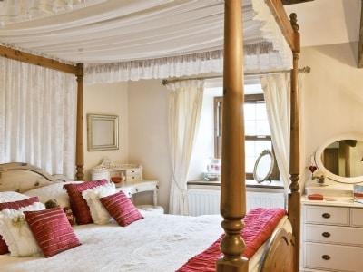 Four Poster bedroom | Daleside - Rosedale, Nr. Keswick