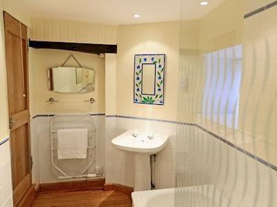 Bathroom | 4 Castle Cottage - Tuckenhay Mill, Bow Creek, between Dartmouth and Totnes