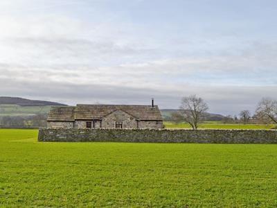 Idyllic rural location | Curlew Barn, near Middleham, Leyburn