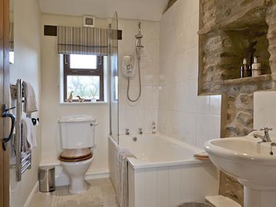 Family bathroom | Curlew Barn, near Middleham, Leyburn