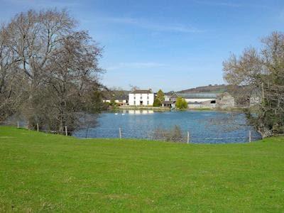 Amazing property with a half acre lake | Hindwell Farmhouse, Walton near Presteigne