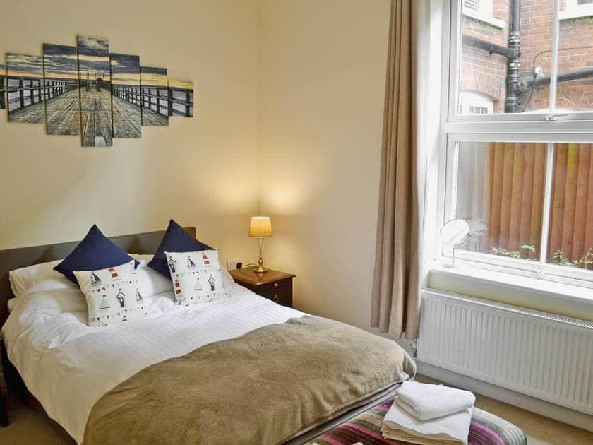 Comfortable double bedroom | Samphire, Cromer