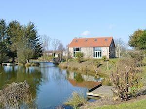 Springwater Lakes - Kingfisher Lodge