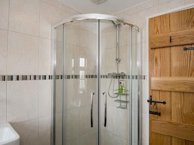 Modern shower room with toilet | The Hayloft at Mains Farm, Crosby Garrett, near Kirkby Stephen