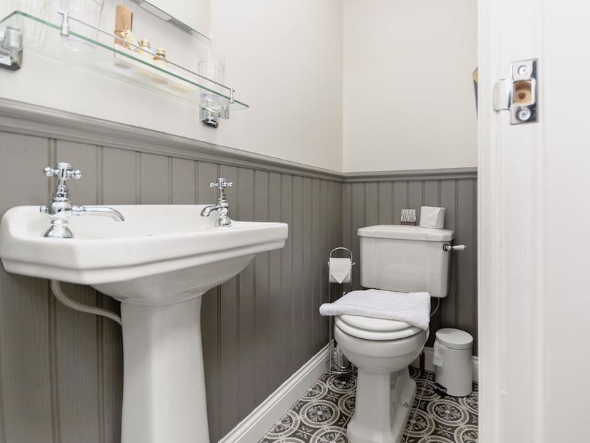 En-suite | Frankland House, Whitby