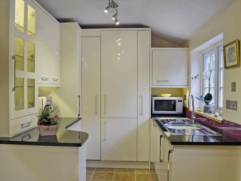 Well equipped kitchen   Little Ponds, Cross In Hand, near Heathfield