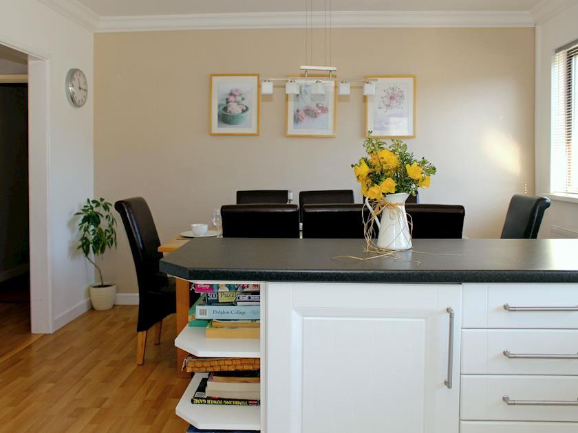 Dining area convenient to kitchen | Gwbert Holiday Cottages- Gwynt y Mor - Gwbert Holiday Cottages, Gwbert, Cardigan Bay
