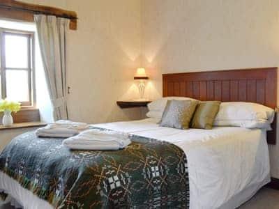 Double bedroom | Llofft Allan, Dyffryn Ardudwy, near Harlech