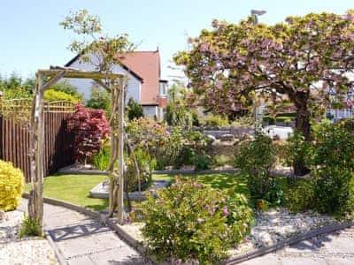 Mature front garden | Anrose House, Penrhyn Bay, Llandudno